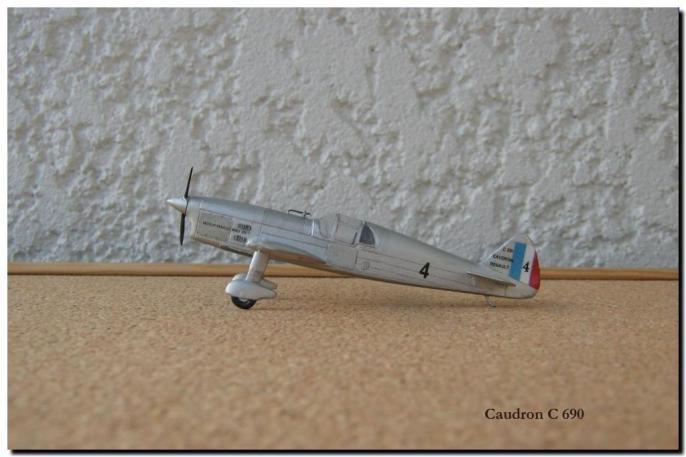 Caudron C690