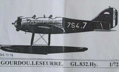 gl-832-hy-09.jpg